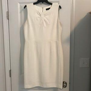 Tahari White Sleeveless Dress with Bow